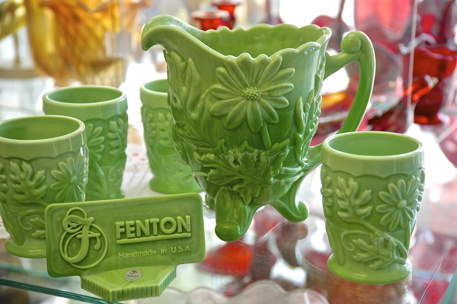 Daisy Green Pitcher and Glasses